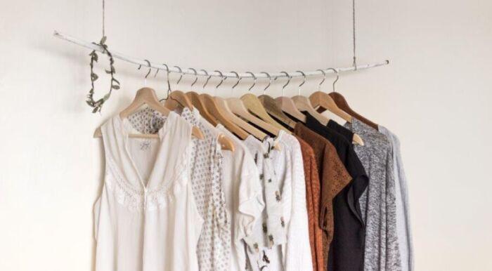 Raccolta differenziata: come smaltire correttamente gli abiti usati