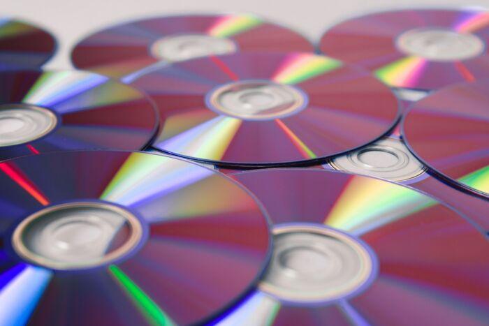 Raccolta differenziata: come smaltire e riciclare CD e DVD